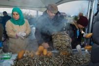 YASIN ÖZTÜRK - Öğrenciler Hamsi Festivalinde Coştu