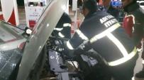 KARAALI - Otomobile Giren Yaramaz Kedi Tamirhanede Çıkarıldı