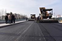 CENGIZ ERGÜN - Salihli'de Köprülü Kavşağa Asfalt Atılıyor