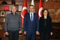 Seçen, Yılın Müdürleri Aksoy Ve Saygılı'yı Plaketle Ödüllendirdi