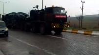 ASKERİ KONVOY - Sınıra Askeri Araç Sevkiyatı Sürüyor