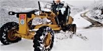 Trabzon'da Kar Nedeniyle Kapanan Köy Yolları Açılıyor