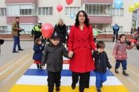 AMASYA VALİSİ - Bu Okul Geçidi Türkiye'de İlk