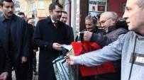 KADINLAR PAZARI - Çevre Ve Şehircilik Bakanı Kurum Trabzon'da Kadınlar Pazarı'na Gitti, Bez Torba Dağıttı