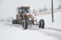 Elazığ'da Kar Nedeniyle 332 Köy Yolu Ulaşıma Kapandı