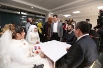 GELİN ARABASI - Engelli Çiftler 8 Yıl Sonra Gelinlik Ve Damatlık Giydi