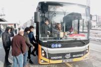 'Git Evinde Bulaşık Yıka' Dediler, Azmetti Otobüs Şoförü Oldu