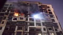 İTFAİYECİLER - Hindistan'da 15 Katlı Binada Yangın Açıklaması 5 İtfaiyeci Öldü