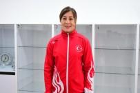 MİLLİ GÜREŞÇİ - 'Kadın Güreşi Adına Hiç Alınmamış Madalyayı Almak İstiyorum'