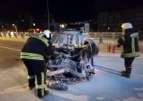 TIR ŞOFÖRÜ - Kontrolünü Kaybetti, Karşı Şeritten Gelen Otomobile Çarptı Açıklaması 1 Ölü