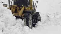 Lice'de Kardan Kapanan Köy Yolları Ulaşıma Açılıyor