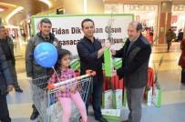 ÇAM AĞACI - Yeni Yıl Öncesi Ücretsiz Çam Fidanı Dağıtıldı