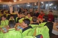 HAKAN ŞIMŞEK - Başkan Acar, 15 Yaş Altı Futbolcularla Buluştu