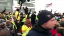 BIBER GAZı - Fransa'da Sarı Yeleklilerin Gösterileri