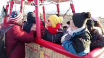 GÜNEY KORELİ - Pamukkale'de Balon Turlarına Yoğun İlgi