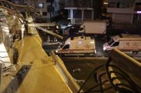 HAMIDIYE - Uygulamadan Kaçtığı İleri Sürülen Otomobil Viyadükten Düştü Açıklaması 3 Yaralı