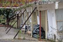 MUSTAFA YıLMAZ - Antalya'nın Eğri Evlerinde Diken Üstünde Hayat