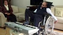EMEKLİ ÖĞRETMEN - Engelli Ümithan Hayatını Ayaklarıyla Kazanıyor