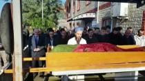 Samsun'da Eşi Tarafından Öldürülen Kadının Cenazesi Toprağa Verildi