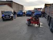 AKÇAKIRAZ - Sepetli Motorla Hırsızlık Yapan 2 Şüpheli Yakalandı