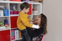 ATLANTIS - 6 Yaşında İlk Kez 'Anne' Diyen Otizmli Remy Annesine Tarifsiz Bir Yılbaşı Hediyesi Verdi