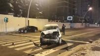 ÇUKURAMBAR - Başkent'te Trafik Kazası Açıklaması 5 Yaralı