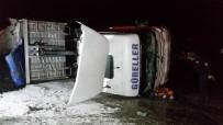HAFRİYAT KAMYONU - Buzda Kayan Hafriyat Kamyonu Devrildi Açıklaması 1 Yaralı