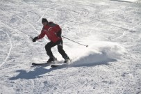 Elazığ'da Karın 1,5 Metreye Yaklaştığı Hazarbaba Da Kayak Keyfi Başladı