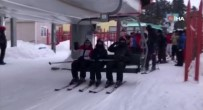 KARANLıKDERE - Elektrik Kesilince Kayakçılar Telesiyejde Mahsur Kaldı