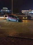 YARALI KADIN - Hafif Ticari Araçla Çarpışan Otomobil Takla Attı Açıklaması 1 Yaralı