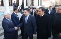 SAĞLIK OCAĞI - Bakan Pakdemirli, Vatandaşlara Fidan Dağıttı