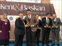 BÜYÜK BIRLIK PARTISI - Ekinci'ye 'Yılın Belediye Başkanı' Ödülü