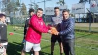 OZAN GÜVEN - Gurbetçi Futbolculardan 'Giymiyorsan Giydir' Projesine Destek