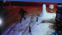 Kardan Adama Yumruk Atıp Kaçtı