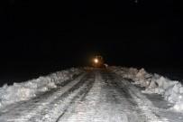 Kardan Dolayı Yolu Kapanan Köydeki Hasta, 4 Saat Süren Çalışma Sonrası Kurtarıldı