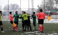 MUSTAFA ÇETIN - Kırmızı Kart Gören Futbolcu Hakeme Tokat Attı