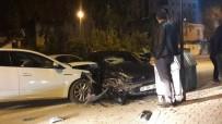 Kozan'da Trafik Kazası Açıklaması 2 Yaralı