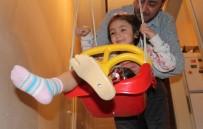 PROTEZ BACAK - Özge, 6 Yaşında İlk Kez Salıncağa Bindi