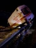 Sevkten Dönen Ambulans Kaza Yaptı Açıklaması 3 Yaralı