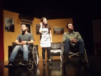 AVCILAR BELEDİYESİ - Avcılar'da Engelliler Günü'ne Özel  Tiyatro Gösterisi