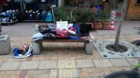 İki Kardeş Banka Serdikleri Kıyafetlerle Yardıma Muhtaç İnsanlara Ulaşmaya Çalıştı