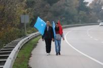 TÜRKISTAN - İki Türkmenistanlı Genç Çin Zulmünü Protesto Etmek İçin Yürüyüş Başlattı