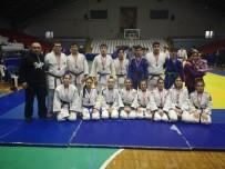 İBRAHİM ASLAN - Yunusemreli Judocular Başarılarına Bir Yenisini Ekledi