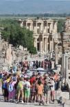 YABANCI TURİST - 1 Milyona Yakın Kişi İzmir'i Ziyaret Etti, En Çok Ziyaret Edenler İse Almanlar Oldu