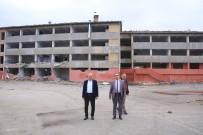 ERTUĞRUL ÇALIŞKAN - Aktekke Kent Meydanı Projesi Kapsamında İki Okulun Yıkımına Başlandı