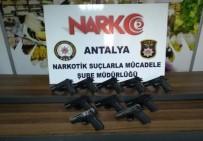 RUHSATSIZ SİLAH - Antalya'da Ruhsatsız Silah Operasyonu