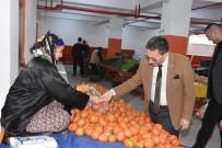 PAZARCI ESNAFI - Başkan Saka, Evinin İhtiyaçları İçin Semt Pazarlarını Tercih Ediyor