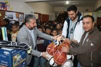 BEDEN EĞİTİMİ ÖĞRETMENİ - Büyükşehir Belediyesi, Kırsal Mahalle Okulunun Yardım Çağrısına Yetişti