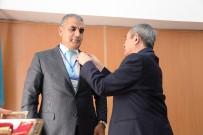 KAZAKISTAN - Doç. Dr. Koç'a Kazakistan Devlet Nişanı Verildi