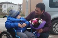 Engelli Çocuk Ve Annesi, Kendileri İçin Güzergahını Değiştiren Otobüs Sürücüsü İle Buluştu